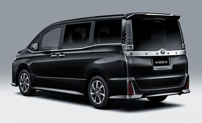 Toyota Voxy 2021