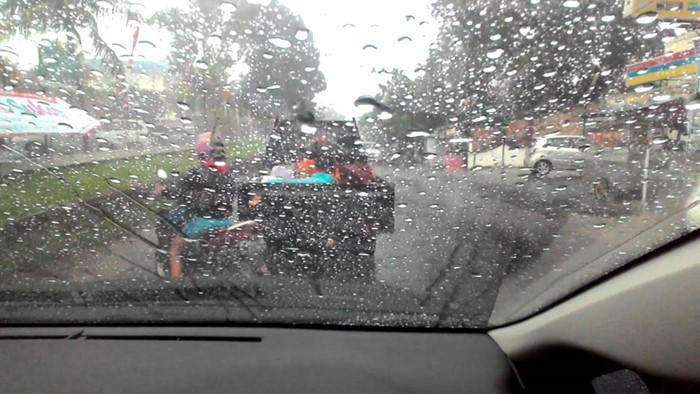 7 Tips Merawat Kendaraan Ketika Musim Hujan